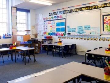 Mai multe şcoli vor renunţa din septembrie la registrele clasice