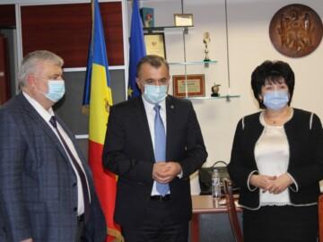 Noul ministru al Educației, Culturii și Cercetării, Lilia Pogolșa a fost prezentată angajaților ministerului de către Prim-ministrul Republicii Moldova, Ion Chicu