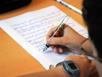 Elevii din clasele gimnaziale și primare se pot înscrie la un concurs internațional de creație literară
