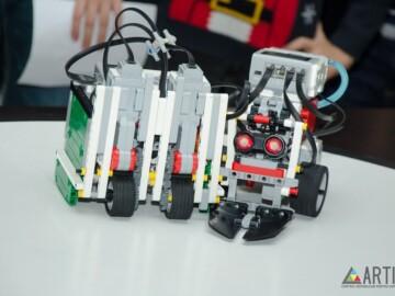 """""""ROBOCLUB ARTICO"""" angajează profesor/profesoară de robotică"""