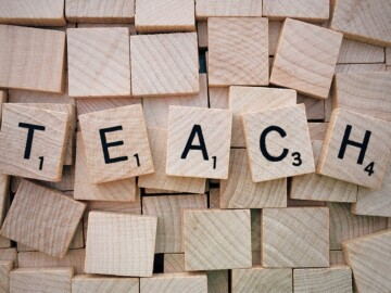 """Fundația """"Ioan Paul II"""" angajează Educator"""