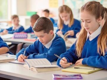 După vacanța de Paști, elevii din capitală vor reveni în băncile școlii
