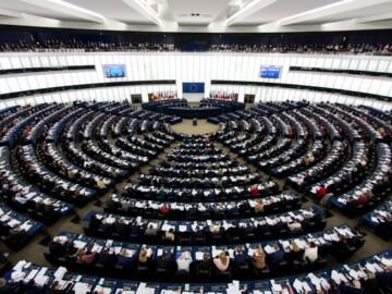 """Simularea Parlamentului European. Devino ,,europarlamentar"""" pentru câteva zile ."""